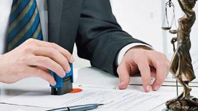 Consultații juridice gratuite, într-un troleibuz din Capitală