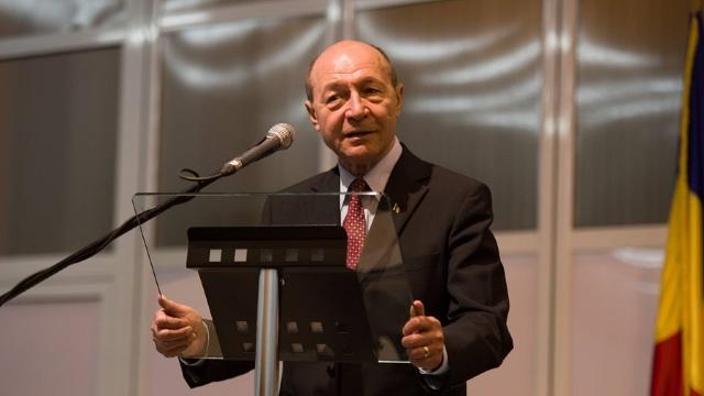 """Proiect propus de Băsescu: """"Unirea cu R. Moldova"""". Este timpul să acționăm și în România!"""