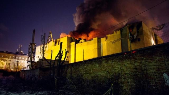 Vladimir Putin a vizitat oraşul siberian Kemerovo, unde a avut loc un incendiu la un centru comercial