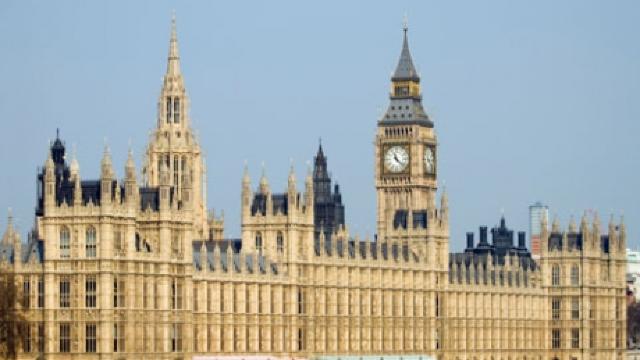 Pachet suspect, la Parlamentul Marii Britanii