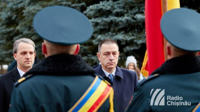 FOTO | Ministrul Apărării de la București: Este momentul ca Armata Română să primească tot respectul
