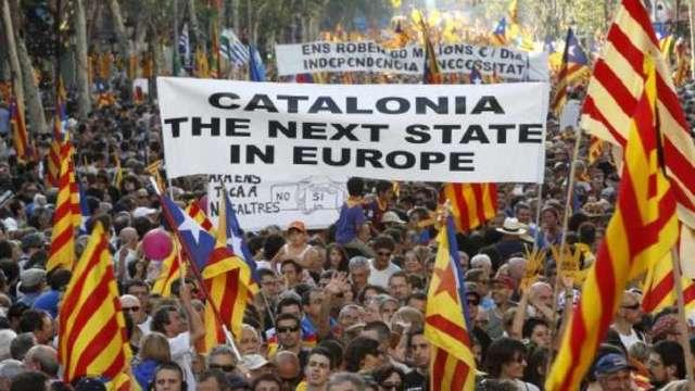 Catalonia | Manifestație la Barcelona pentru formarea unui guvern determinat să avanseze spre secesiune