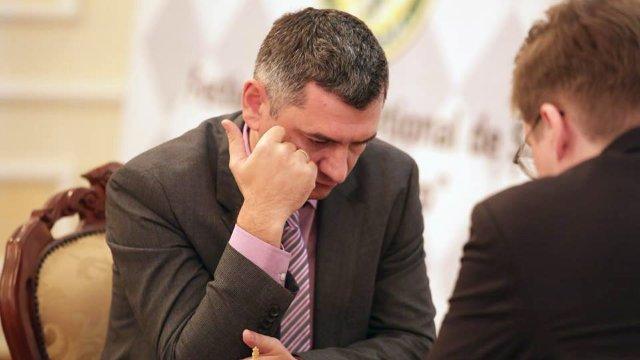 Patru victorii în șase partide pentru marele maestru Viorel Bologan, la campionatul de șah din Georgia