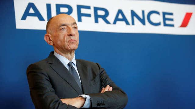 Air France lansează consultări directe cu salariaţii pentru a pune capăt grevei