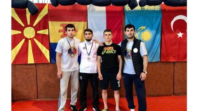 """Doi luptători moldoveni au devenit câștigători ai turneului internațional """"Petko Sirakov-Ivan Iliev"""""""