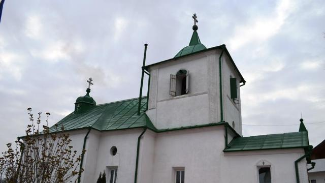 Mitropolia Basarabiei cere repetat organelor competente să aplice legea privind situația bisericii din Dereneu