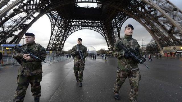 Vinovatul de atacurile teroriste de la Paris riscă 20 de ani de închisoare