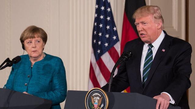Summitul NATO | Angela Merkel, întrevedere privată cu Donald Trump, după criticile la adresa Germaniei