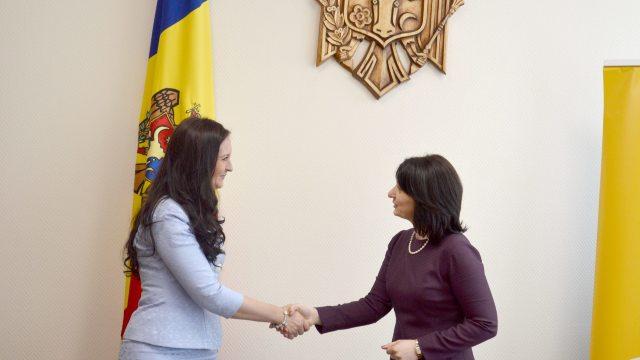 Ministerul pentru Românii de Pretutindeni de la București și BRD vor semna un memorandum