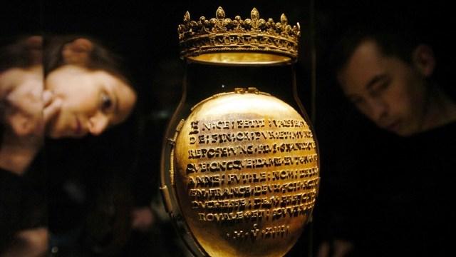 Franţa | Niște hoţi au furat relicvariul în care se află inima Annei de Bretania