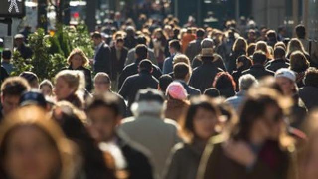 Comisia Europeană va înăspri normele de protecţie a consumatorilor. Ce amenzi riscă firmele