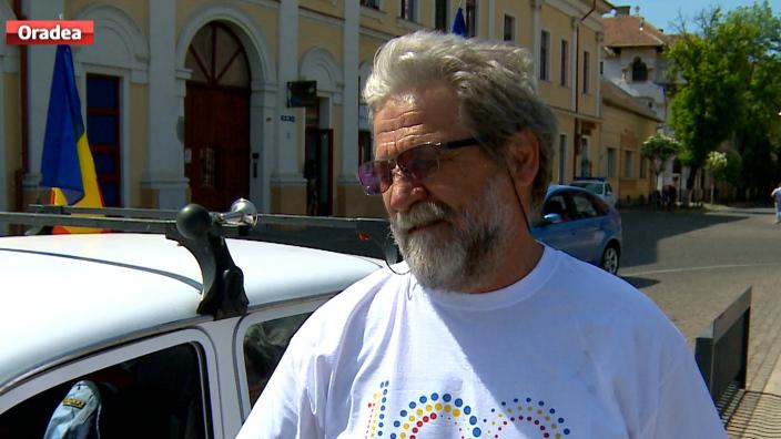 Un pensionar va face turul României Mari la bordul unei Dacia 1310
