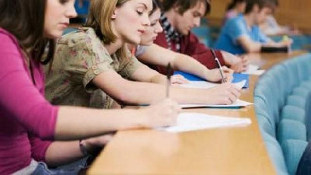 România va acorda în acest an tinerilor din Republica Moldova peste 6 mii de burse universitare