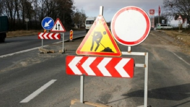 Circulație sistată pe mai multe străzi din Capitală din cauza lucrărilor de reparație
