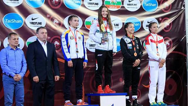 Irina Ringaci a câștigat medalia de argint la Campionatul European de lupte, care se desfășoară în Macedonia