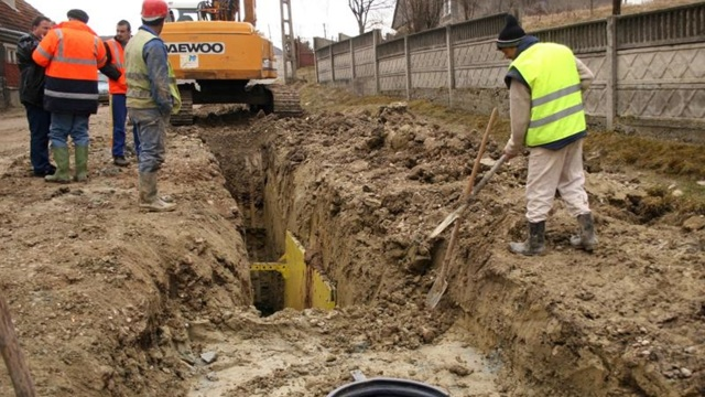 Aproape o pătrime din localitățile rurale din R.Moldova nu au acces la reţele de apă potabilă şi canalizare