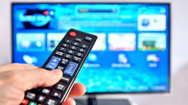 Andrian Candu i-a transmis, din nou, lui Igor Dodon noul Cod al Audiovizualului pentru a fi promulgat