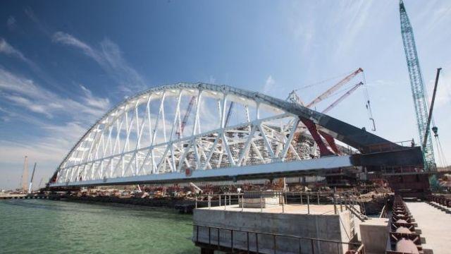 NATO condamnă inaugurarea podului care leagă Rusia de Crimeea