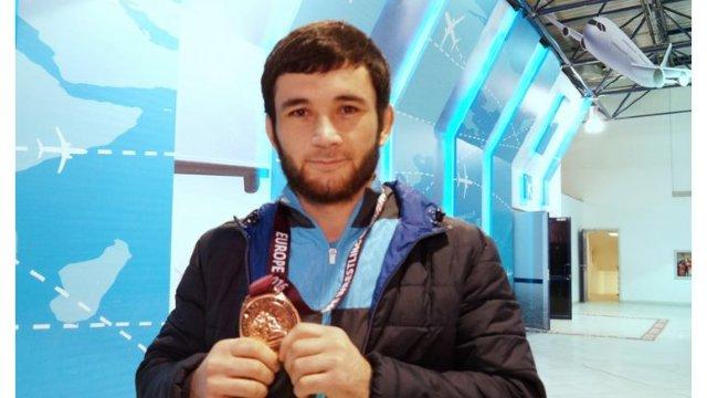 Luptătorul Donior Islamov a cucerit bronzul la Campionatul European