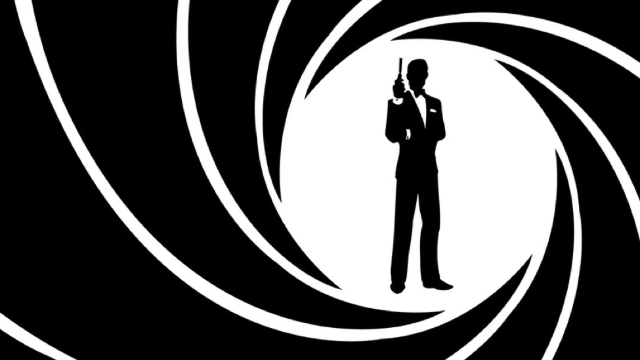 VIDEO | MI6 nu-l mai vrea ca imagine pe James Bond. Serviciile speciale britanice caută să angajeze femei