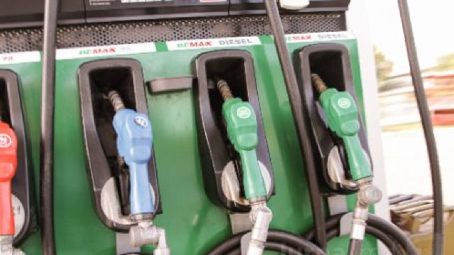 ANRE anunță noi scumpiri ale benzinei și motorinei