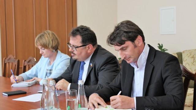 UE va susține financiar organizarea lucrărilor de reparație a podului Gura Bâcului-Bâcioc