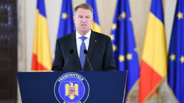"""Klaus Iohannis: Românii trebuie """"să îngrijească moștenirea primită de la cei care au semnat cu sângele lor actul de naștere a poporului român"""""""
