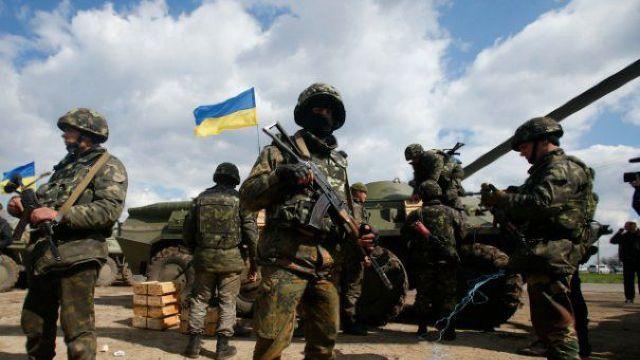 Doi militari ucraineni au fost ucişi în atacuri ale separatiştilor din Donbas