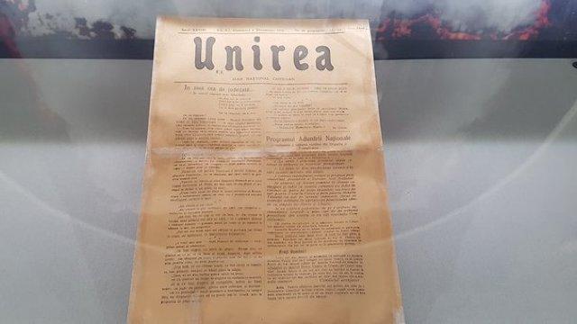 Ziarul apărut la 1 Decembrie 1918, cu programul Adunării Naţionale de la Alba Iulia, expus la muzeu. Rolul publicației