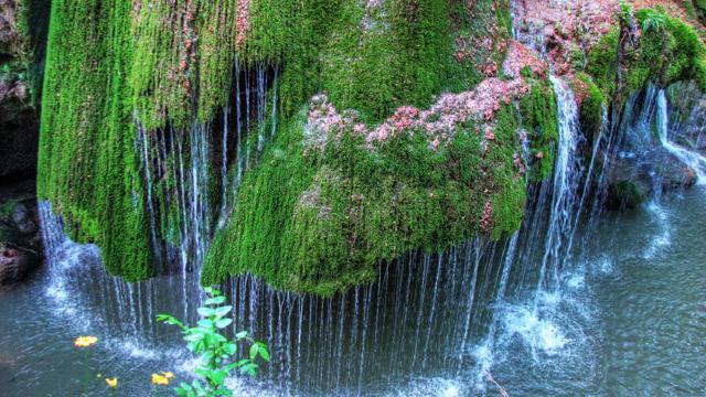 FOTO l Cascada Bigăr din România, în topul celor mai frumoase cascade din lume. Care este legenda acesteia