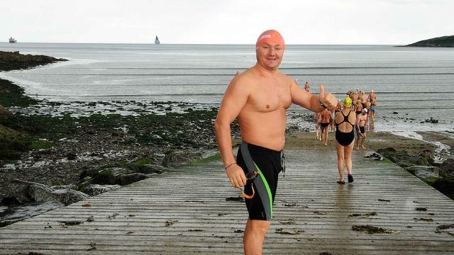 Ion Lazarenco Tiron, originar din R.Moldova, a traversat înot, din prima încercare, strâmtorile din OCEANS SEVEN