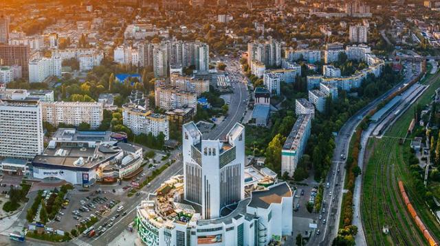 Tribuna: Alegerile în primul tur în Chișinău sunt un model perfect al alegerilor într-o circumscripție uninominală (Revista presei)