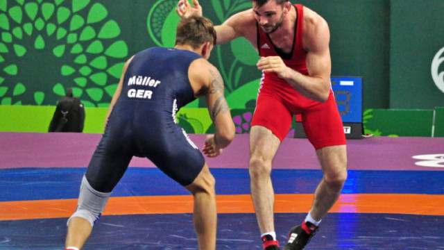 Luptătorii Novac și Marcu au urcat pe podium la Europenele de cadeți