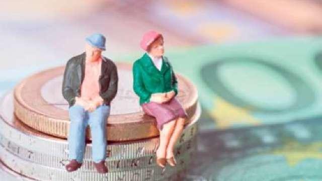 Cresc bugetele de asigurări sociale și de asigurări obligatorii de asistență medicală