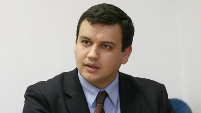 Eugen Tomac a îndemnat cetățenii să-l voteze pe Andrei Năstase în cel de-al doilea tur al alegerilor pentru primăria Chișinău