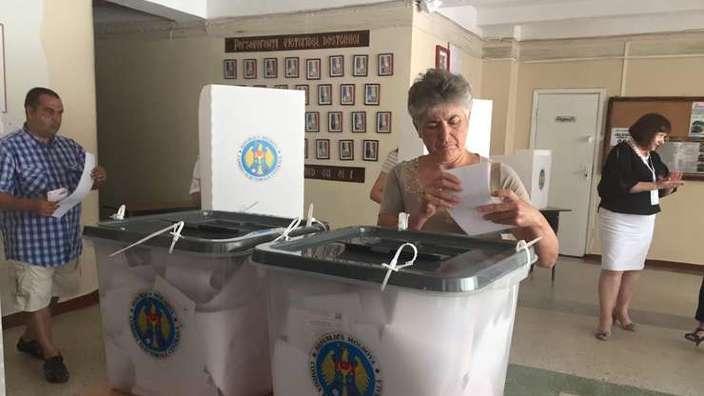 Alegeri locale | Până la 20.00, în Chișinău și Bălți a fost depășit pragul de 1/3 din alegători. Primele rezultate, după 22.00