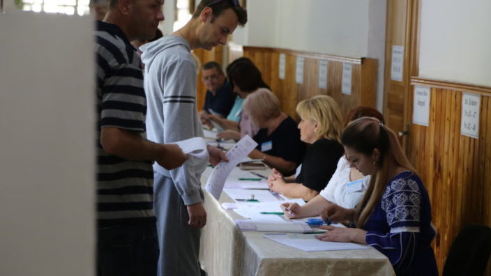 VOX   Care sunt așteptările locuitorilor Chișinăului față de alegeri și de la cei doi candidați