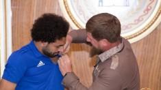 Vedeta naționalei Egiptului, Mohamed Salah, aspru criticat după banchetul organizat de liderul Ceceniei. Fotbalistul ar vrea să se retragă de la Mondial