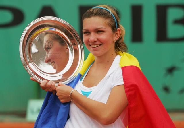 FOTO inedit | Cum arăta Halep în 2008, cu trofeul în braţe, atunci când a câştigat Roland Garros la junioare