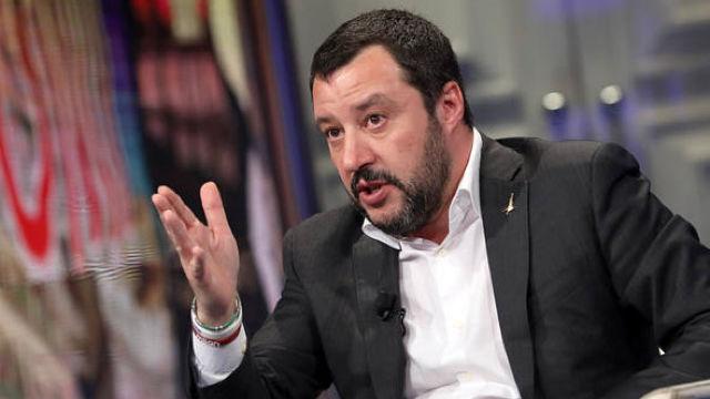 Ministrul de interne al Italiei îi cere Franţei să să primească mai mulţi migranţi