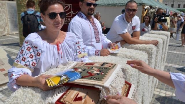 """""""Republica Moldova Prezintă"""", la Brașov. Zeci de companii și-au prezentat produsele"""