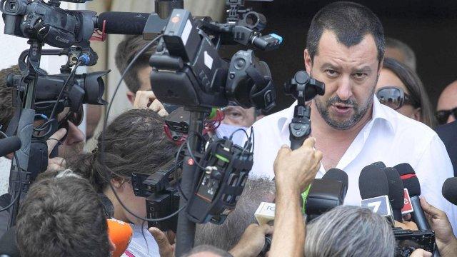 Matteo Salvini: Vasele cu migranţi ale ONG-urilor pot uita de posibilitatea intrării în porturile italiene