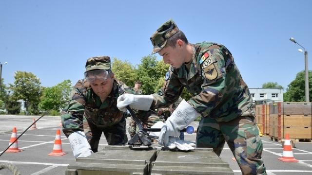 FOTO   Militarii Armatei Naționale au învăţat să transporte muniții în condiții de siguranță