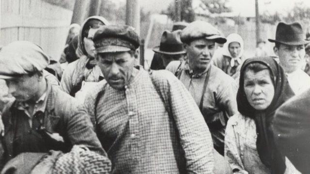 Rusia distruge, în baza unui ordin secret, arhivele privind deportările și alte represalii din timpul Uniunii Sovietice
