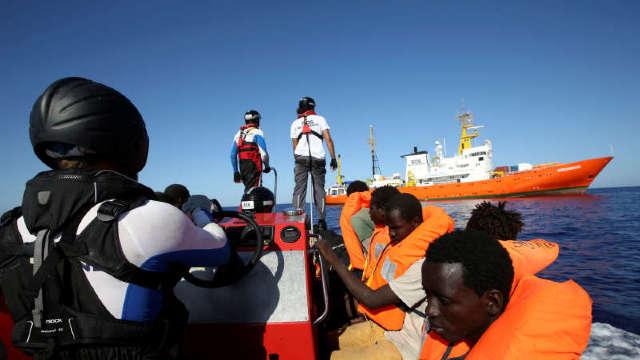 Nava cu migranţi Aquarius: Ministrul italian al economiei îşi anulează în ultimul moment o vizită la Paris