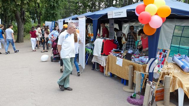 FOTO | Ambasadorul SUA: R.Moldova se bucură de progrese notabile în consolidarea sectorului non-profit