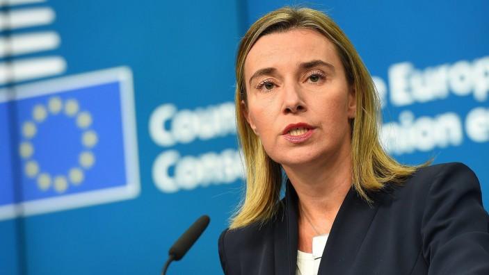 UE a inclus luni pe lista ei de sancţiuni reprezentanţi ai rebelilor proruşi din estul Ucrainei