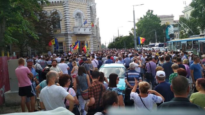 Susținătorii primarului ales vor protesta astăzi față de decizia de invalidare a alegerilor din Chișinău