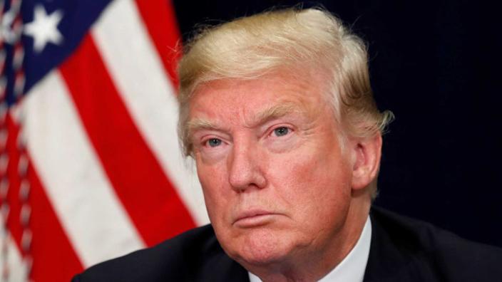 Donald Trump afirmă că imigranţii ilegali ar trebui deportaţi imediat