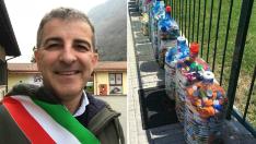 Cum a reuşit primarul unei comune din România să-i convingă pe localnici să colecteze gunoiul selectiv